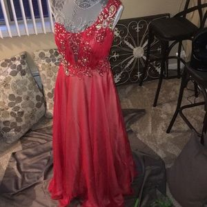 Dresses & Skirts - Beautiful Red Floor Length Prom Dress Size 7/8